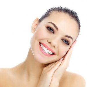 Labios naturales con un relleno de labios - Clínica MultiLaser