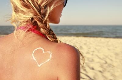 cuidados de la piel después de tomar el sol
