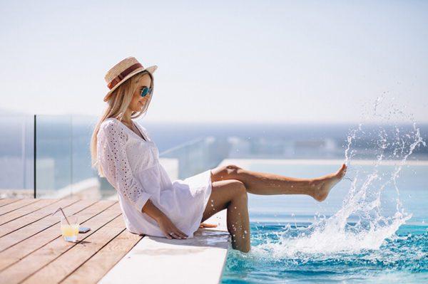 ¿Cómo recuperar la piel después de la exposición al sol, el cloro de las piscinas y el mar??
